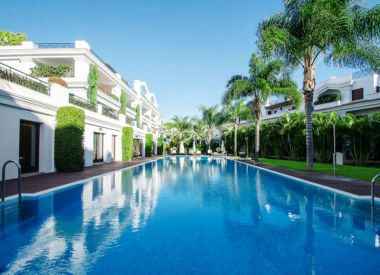 Apartments in Estepona (Costa del Sol), buy cheap - 1 250 000 [66015] 2